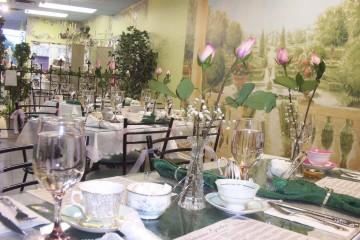 Parties victorian garden tea for Victorian garden room